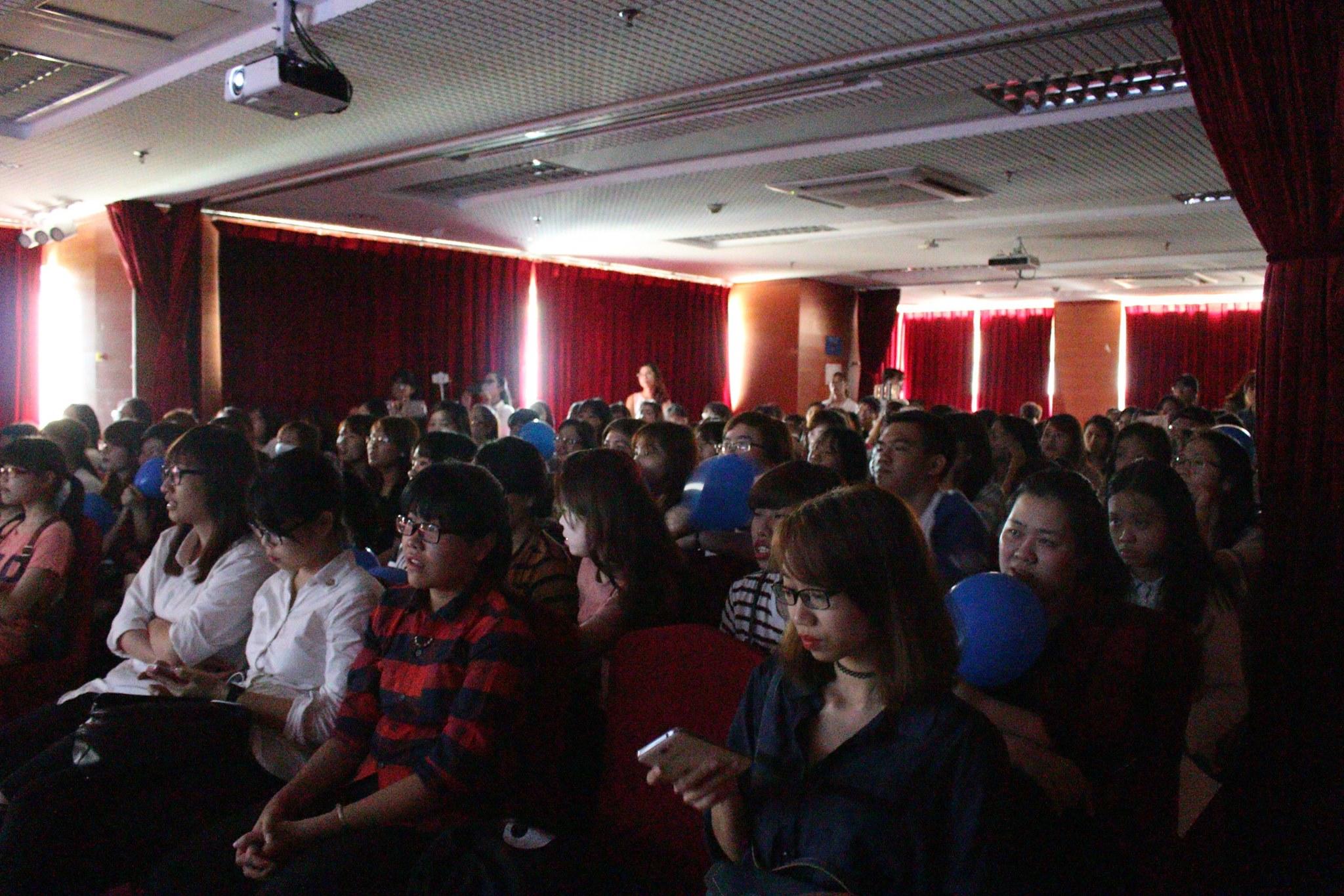 Hội trường tổ chức sự kiện offline