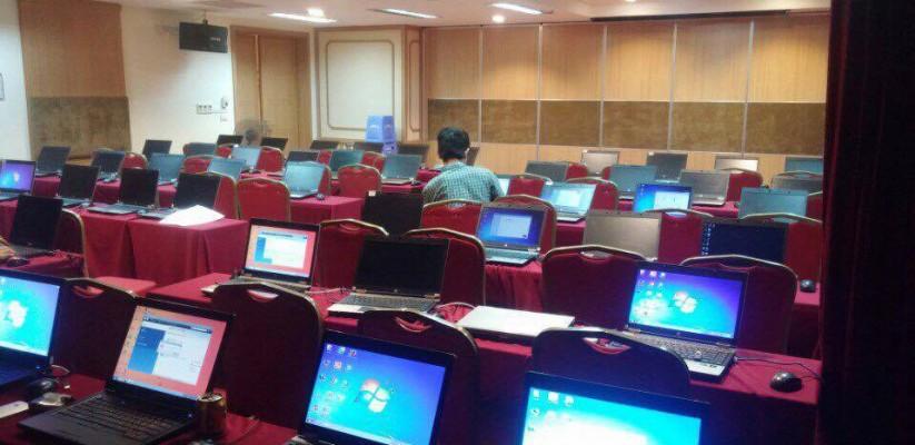 Phòng máy tính chuẩn bị cho khách hàng Tinh Vân