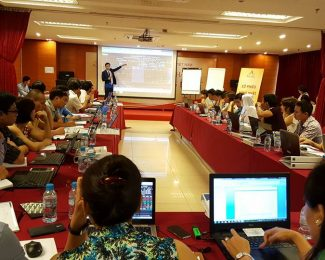 """""""Cổ phiếu hạng nhất – Lợi nhuận hạng nhất"""" trainner: Nguyễn Tuấn Hưng"""