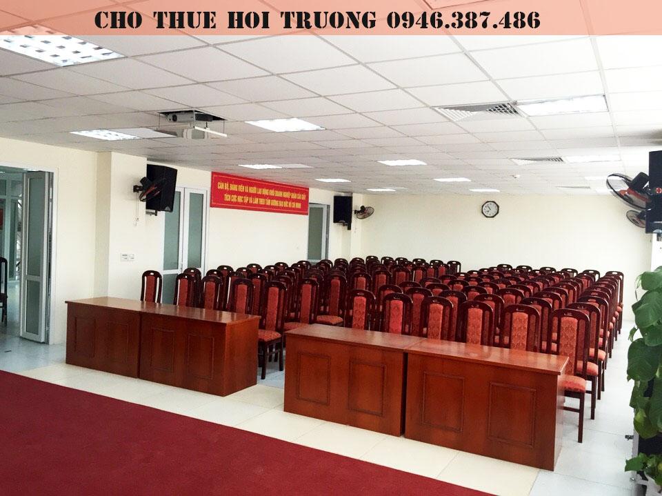 cho-thue-hoi-truong-tai-cau-giay-2