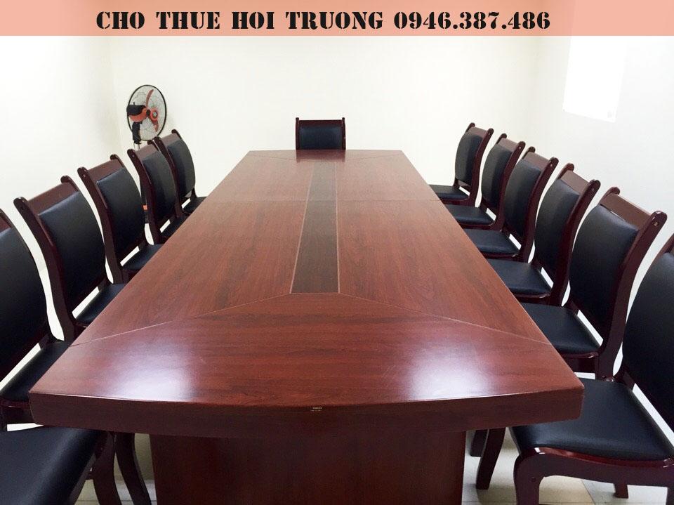 cho-thue-hoi-truong-tai-cau-giay-6