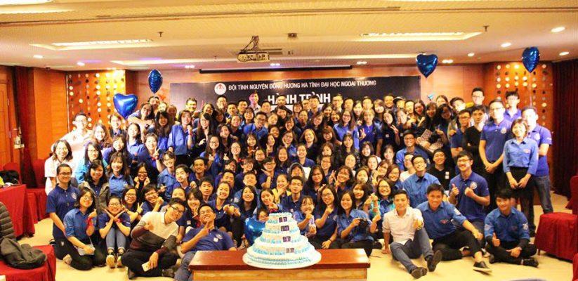 Hành trình lửa xanh – Đội tình nguyện đồng hương Hà Tĩnh Đại học Ngoại thương