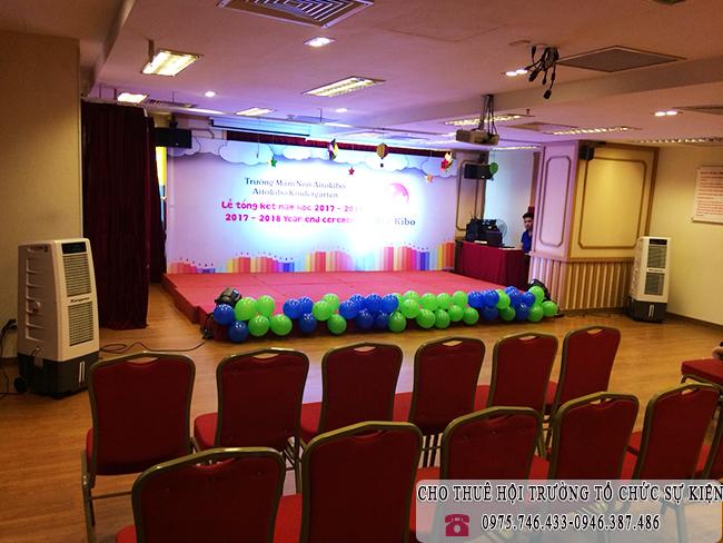 Hội trường lễ tổng kết năm học trường mầm non Aitokibo