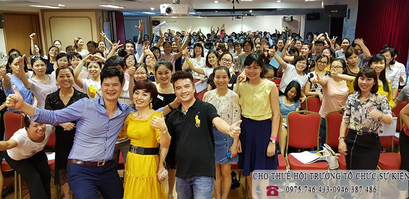 Khóa học Phụ nữ lãnh đạo bằng yêu thương – Vera Hà Anh tại hội trường VITD