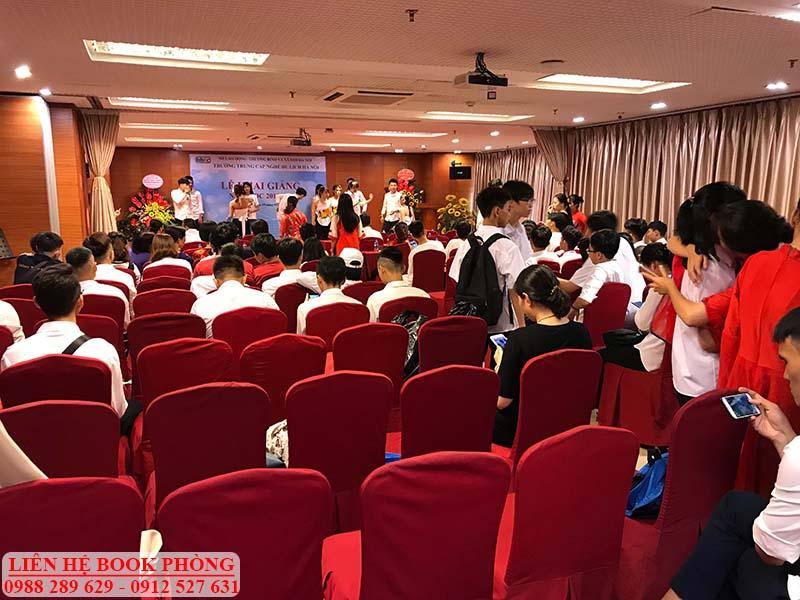 Hội trường tổ chức khai giảng